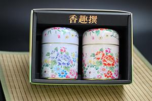 板橋区高島平の時田園では可愛い花柄に缶入りでお茶をプレゼント