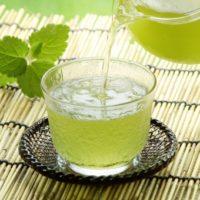 暑い夏に冷たいお茶のご紹介です。板橋区高島平にあります ㈱時田園では夏の限定茶、水出し煎茶を販売。他に麦茶や玄米茶も人気です!